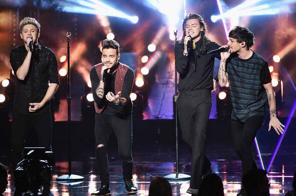 One-Direction---AMA-2015