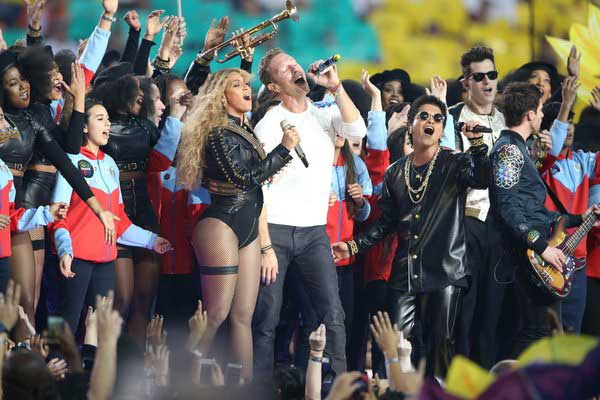 Coldplay-with-Beyonce-and-Bruno-Mars-deliver-epic-Super-Bowl-50