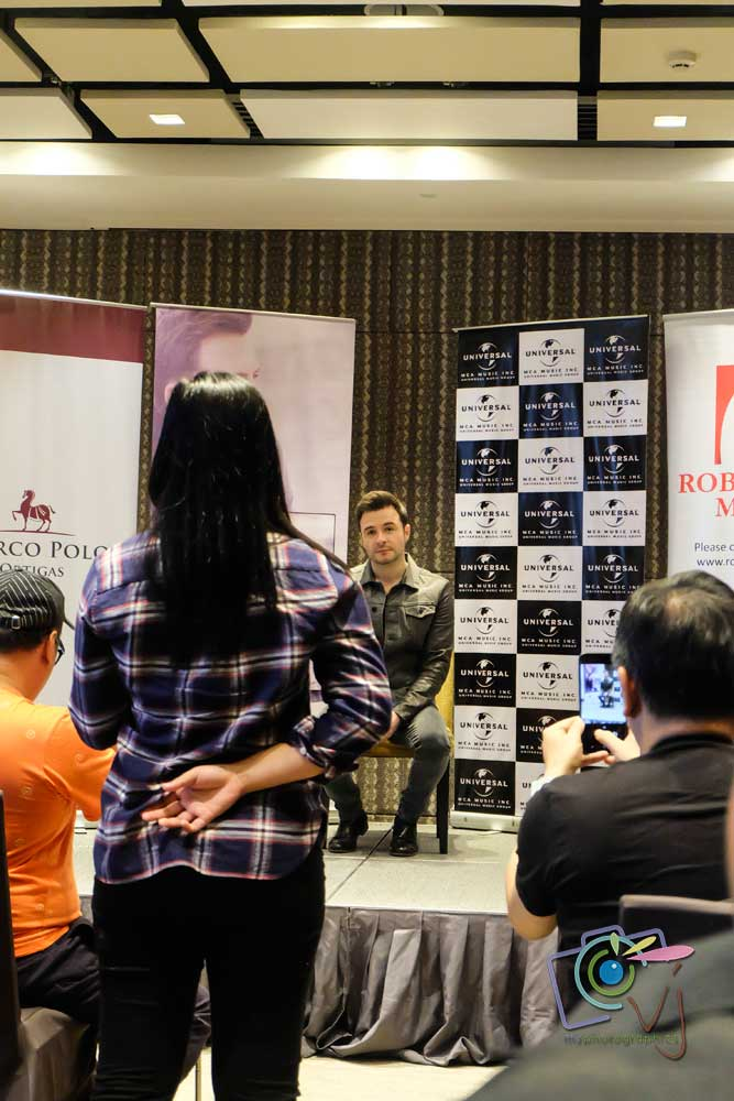 Shane-Filan---Love-Always-Press-Con-(8)